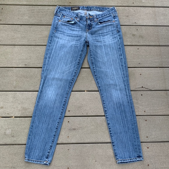 NWOT: LOW-RISE BLUE WOMENS JEANS J CREW 27 ANKLE